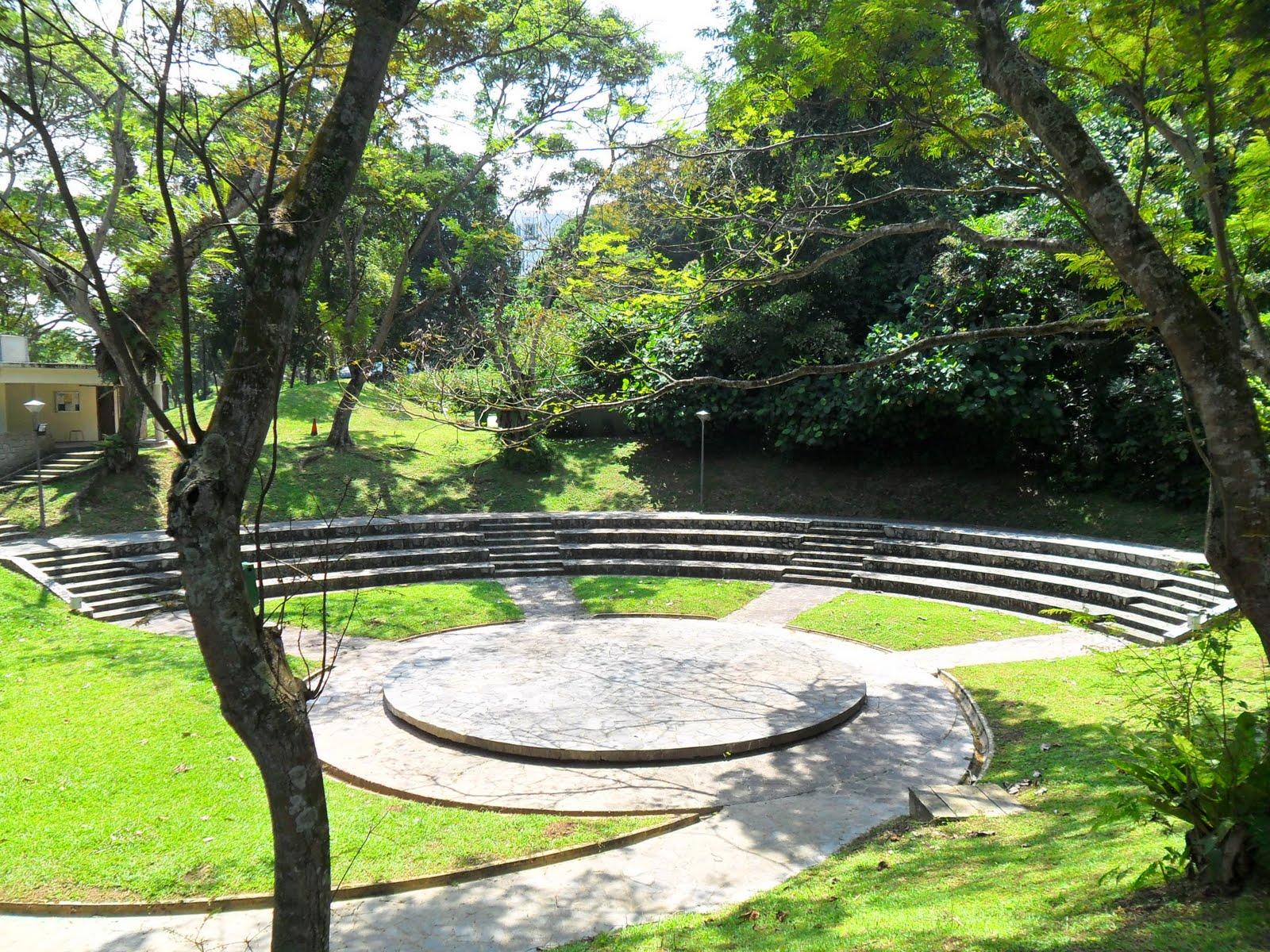 clementi-woods-amphitheatre-southern-ridges-walk-singapore
